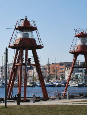 Vue du port de Dunkerque situé à proximité du camping des Dunes